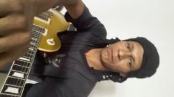Aparecida de Goiânia - Guitarra solo - gosta de Blues procurando por Bateria
