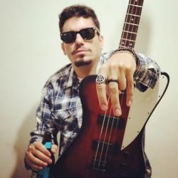 Uberlândia - Guitarra solo - gosta de Reggae procurando por Vocalista---Alto