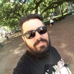 Viamão - Guitarra solo - gosta de Heavy-Metal procurando por Vocalista---Alto