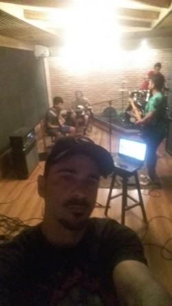 Manaus - Violão - gosta de Acústico procurando por Contrabaixo