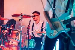 Santos - Guitarra solo - gosta de Rock-Clássico procurando por Contrabaixo