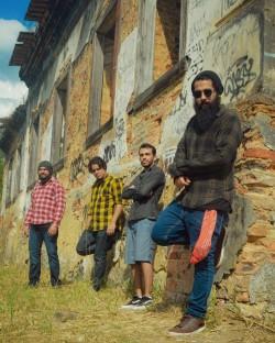 Nova Iguaçu - Guitarra base - gosta de Rock-Alternativo-/-Moderno procurando por Bateria