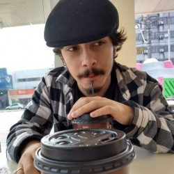 Sapucaia do Sul - Vocalista - Alto - gosta de Rock-Alternativo-/-Moderno procurando por Contrabaixo
