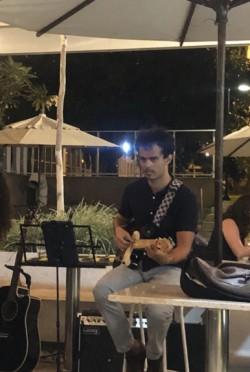 Brasília - Guitarra solo - gosta de Acústico procurando por Bateria