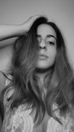 Londrina - Vocalista - Baixo - gosta de Rock-Clássico procurando por Acordeão