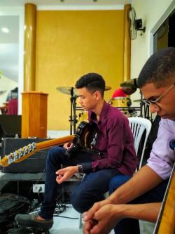 Rio Claro - Guitarra solo - gosta de Cristão-Contemporâneo procurando por Guitarra-base