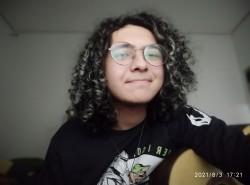 São Paulo - Contrabaixo - gosta de Rock-Clássico procurando por Bateria