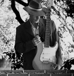 Brasília - Guitarra solo - gosta de Blues procurando por Bateria