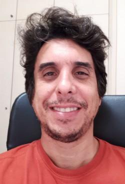 São José dos Campos - Contrabaixo - gosta de Cover/Tributo procurando por Bateria