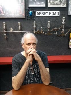 São Paulo -  - gosta de Rock-Clássico procurando por Contrabaixo