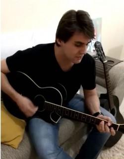 Juiz de Fora - Vocalista - Geral - gosta de Acústico procurando por Guitarra-base