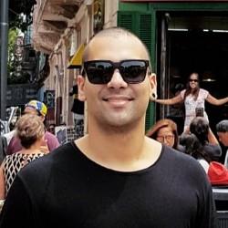Rio de Janeiro -  - gosta de Punk procurando por Contrabaixo