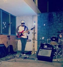 São Paulo -  - gosta de Jazz procurando por Guitarra-base