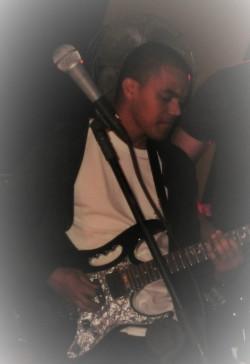 Belo Horizonte - Guitarra solo - gosta de Heavy-Metal procurando por Vocalista---Tenor